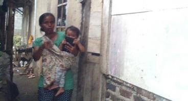 Bantu Ibu Ai Rosmanawati Merenovasi Rumahnya