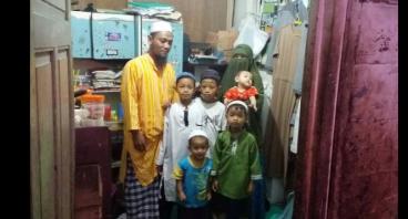 Bantu Ibu Aliah Mengembangkan Usaha Madu