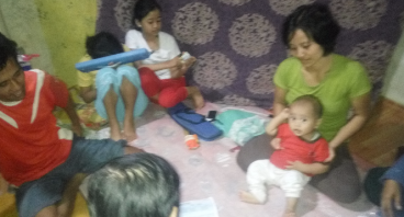 Bantu Ayah Empat Anak Merintis Usaha Jualan Kelapa