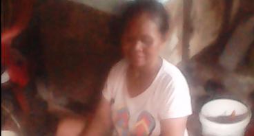 Bantu Ibu Ropiah Penjual Rongsok