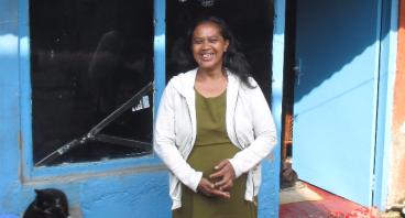 Bantu Ibu Wiwin Membuka Usaha Warung Makanan