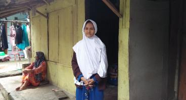 Bantu Nenek Dewi 72 Tahun, Hidup Mandiri