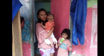 Bantu Usaha Warung Untuk Ibu Nina