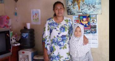 Bantu modal usaha Bu Yuliawati untuk bantu suami
