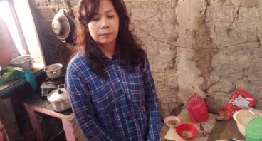 Bantu Ibu Oom yang Berjualan Seblak Renovasi Rumah