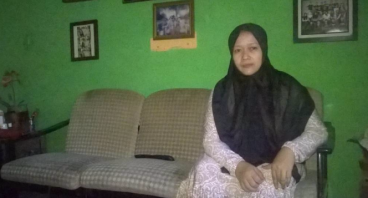 Bantu Bu Rita Biayai Kedua Anaknya Sekolah