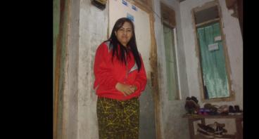 Bantu Janda Eros Biayai Sekolah Kedua Anaknya