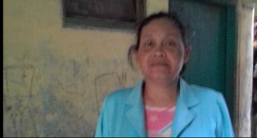 Bantu Ibu Surati, Pedagang Batagor Menambah Modal