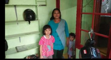 Warung Untuk Ibu Teja Demi Pendidikan Bagi Anaknya