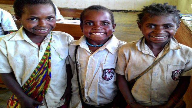 Berbagi Kasih Untuk Pendidikan Pelosok SD PAPUA