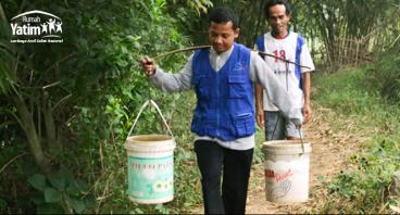 Bantu bencana kekeringan di Desa Weningsari Jongol