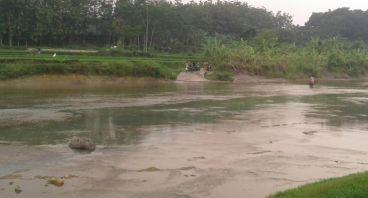 Pembangunan Jembatan Untuk Kelurahan Gunung Sari