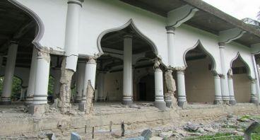 Bantu Saudara Muslim kita untuk kembali Berjamaah