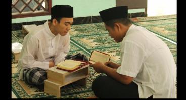 Hadiah untuk Anak Yatim Dhuafa Penghafal Qur'an