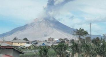 Gotong Royong untuk Pengungsi Gunung Agung
