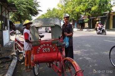 armada distribusi bantuan untuk dhuafa