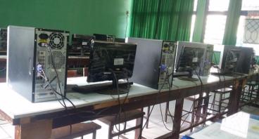 Komputer untuk SMP Negeri 1 Donri-Donri, Soppeng