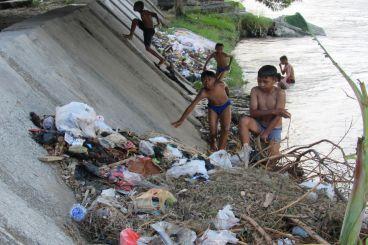 Bantu Abi Selamatkan Teluk Palu dari SAMPAH