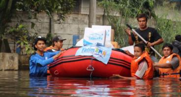 Perahu untuk Korban Banjir