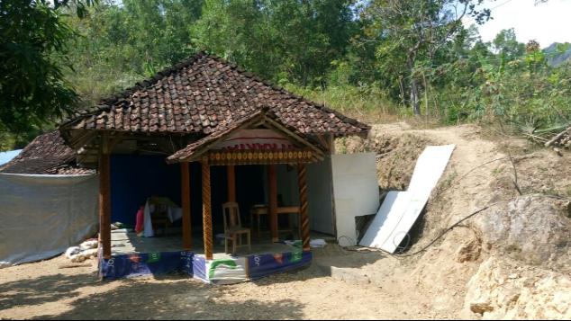 Bangun Rumah Ibadah Al-Iman. Desa Borang - Pacitan