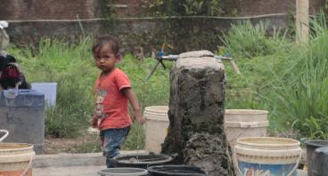 Bantu pengadaan MCK dan sarana air bersih