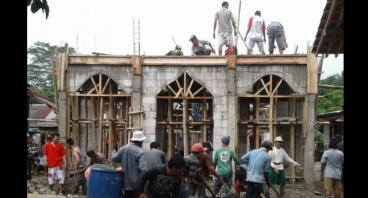 Bantu Mendirikan Musholla At Tamam di Desa Prigi