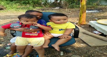 Sumbangan anak yatim