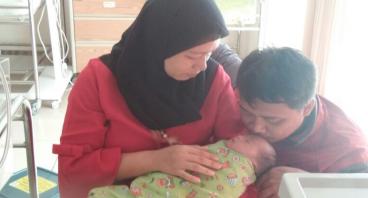 Bantu Baby AL Terbebas dari Atresia Ani