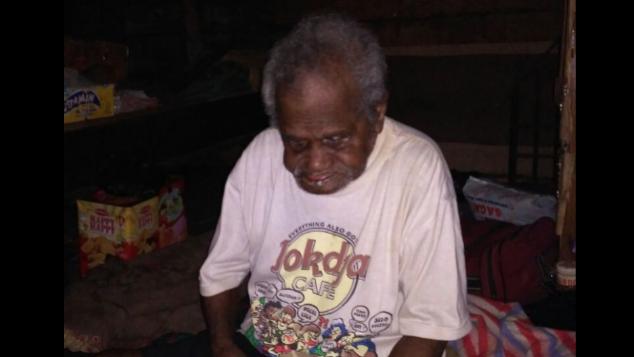 Bantu Kakek Amir yang buta dan hidup sebatang kara