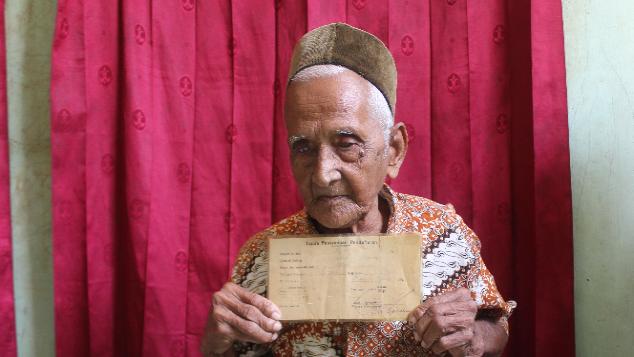 Bantu Nyak Sandang, Pemodal Pertama Pesawat Garuda