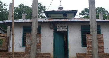 Bedah Masjid Muhajirin Laringgi Kabupaten Soppeng