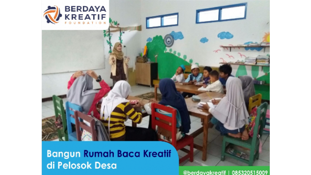 Bangun Rumah Baca Kreatif di Pelosok Desa