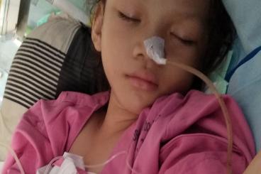 Bantu Jane Menjalani Operasi Omfalokel