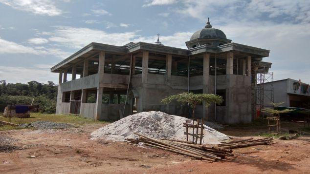Pembangunan Mesjid Al-Muhajirin Tersendat Biaya.
