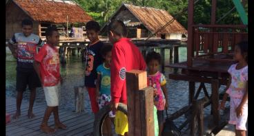 Pembangunan MCK dan Listrik untuk Desa Sawinggrai