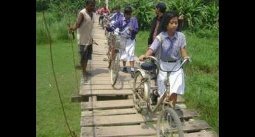 Donasi untuk bangun jembatan gantung Bantarsari