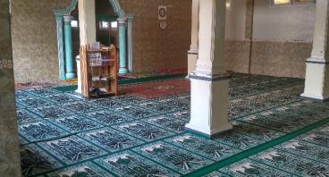 Wakaf Karpet untuk Masjid Annasirin