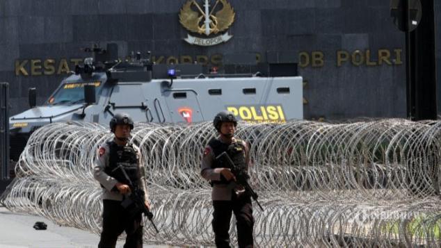 Sumbangan Keluarga 5 Polisi Korban Teror Depok