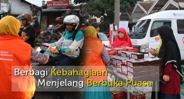 Berbagi Paket Ta'jil Ramadhan