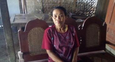 Mak Bibit Pasrah Tinggal Di Rumah Tak Layak Huni