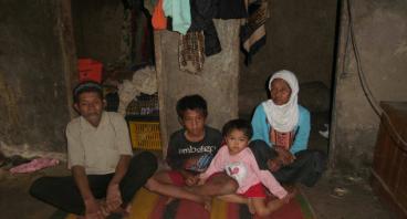 Bantu 1000 Anak Yatim Mendapatkan Baju Lebaran
