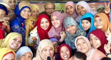 Sedekah THR Guru Batutis Al-Ilmi Bekasi