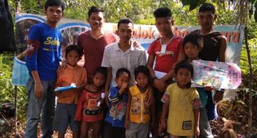 Bantu Suku Anak Dalam Mendapatkan Pendidikan Layak
