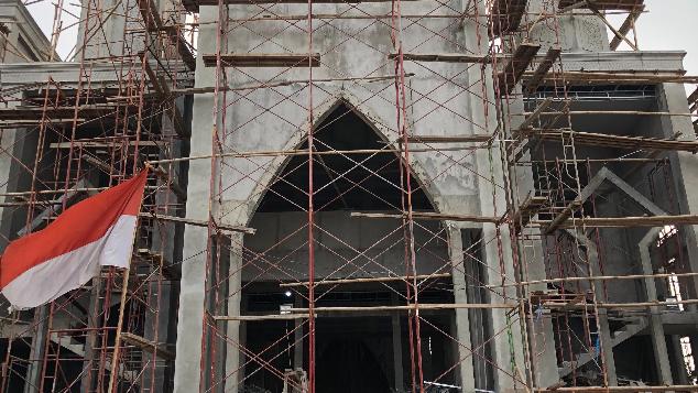 Bantu rekonstruksi salah satu masjid tertua Bekasi