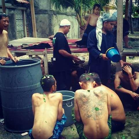 penanganan gangguan jiwa dengan mandi air ruqyah
