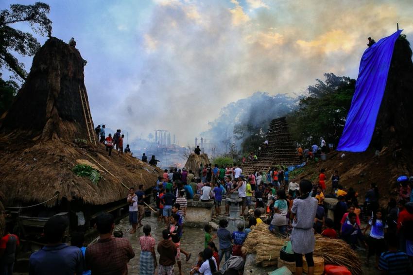 Kitabisa! - Terbakarnya Kampung Adat Tarung di Sumba Barat