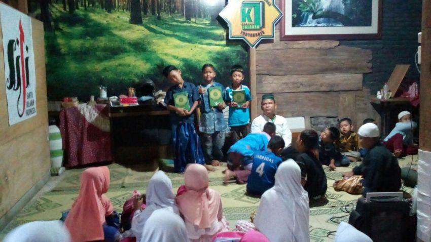 Alquran untuk santri Kampus Jalanan, Yogyakarta