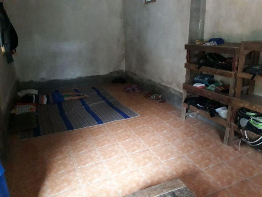 kamar sekaligus kelas untuk santri putra. seadanya :(